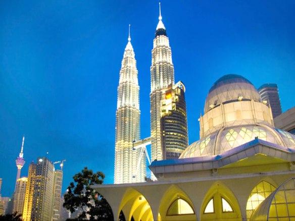petronas-twin-towers-and-al-asyikin-mosque-malaysia
