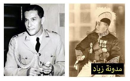 على اليمين: سلطان سلطنة بونتانياك السلطان محمد القادري، وعلى اليسار: ابنه السلطان حميد الثاني.